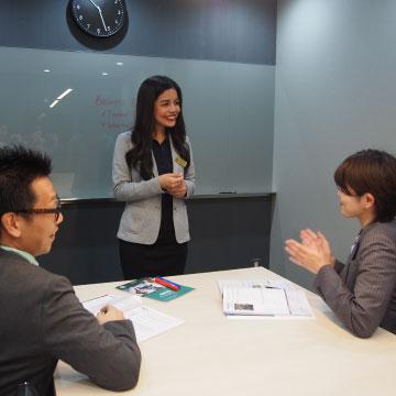 ビジネスシーンで 即戦力となる英会話カリキュラム